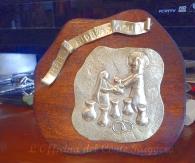 """""""IMPLETE HIDRAS AQUA"""" Pannello in ottone realizzato a sbalzo e cesello. Raffigurazione delle Nozze di Cana (idea regalo per un anniversario di Matrimonio)"""