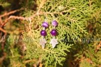Orecchini in agata striata viola e foglie d'argento.