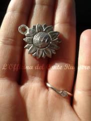 """Ciondolo per collare di un cane in argento 925 Girasole Sul retro incisione con scritta del cagnolino """"Jodie"""""""