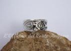 anello in argento palmette normanne e foglie stilizzate a sbalzo e cesello.